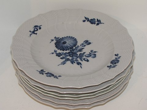Blue Fluted Curved Large dinner plates from 1780-1800