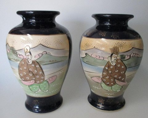 Pair Japanese Satsuma vases, 19th century.