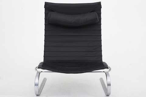 Poul Kjærholm / Fritz Hansen PK 20 - Lounge chair in black leather and frame in steel 1 pc. in stock Good condition Location: KLASSIK Flagship Store - Bredgade 3, 1260 KBH. K.