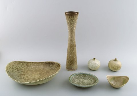 Six pieces Carl-Harry Stålhane and Gunnar Nylund, Rörstrand / Rorstrand, large vase, two smaller vases, large stoneware bowl, two small bowls. Two by Gunnar Nylund.