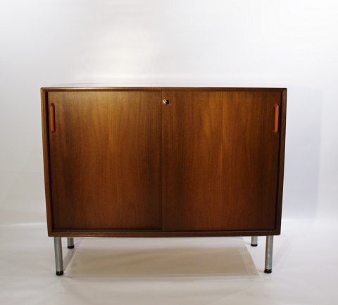 Cabinet with sliding doors in light mahogany of danish design from the 1960s. 5000m2 showroom.
