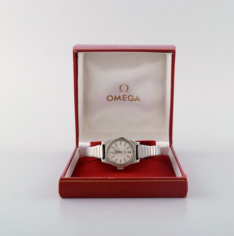 Omega Geneva/Geneve Ladies Silver Dial Watch with original box. 1972.