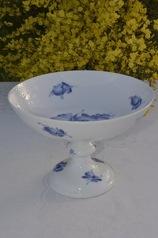 Royal Copenhagen Blue flower braided Cake dish # 8064