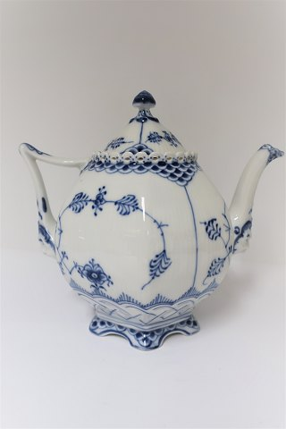 Blue Fluted. Full lace. Teapot. Model 1119. 100 cl. (2. quality)