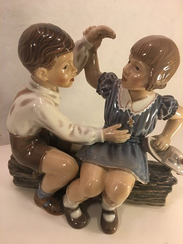 Dahl Jensen Figure DJ # 1214. Girl and Boy with ship. Length 19.5 cm. Height: 18 cm. 1. Sorting. switch, Contact. Telephone. +4586983424