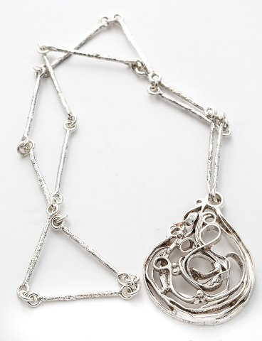 Necklace with pendant silver