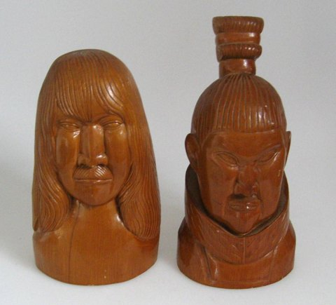 Pair of Greenlandic figurines, 20th. century.