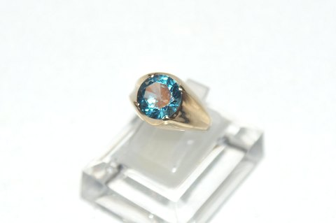 Gold ring ladies with blue stone 14 carat gold