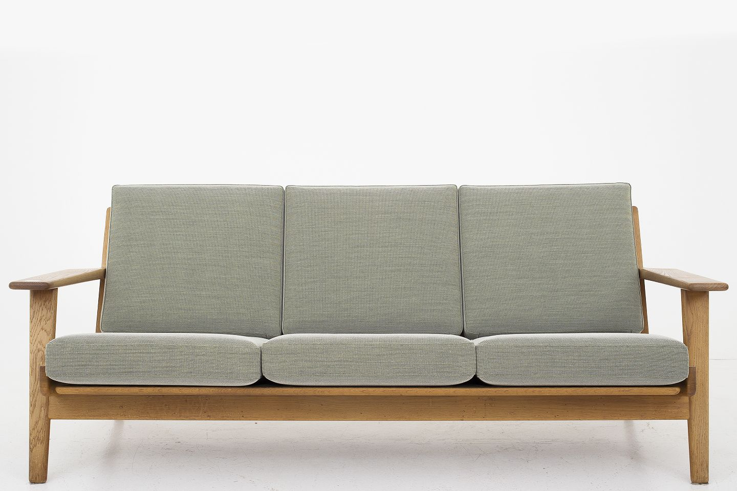 Hans J. Wegner / Getama GE 290   3 Pers. Sofa With New Cushions From Getama  And New Upholstery In Steelcut Trio 2 (color 915) From Kvadrat.